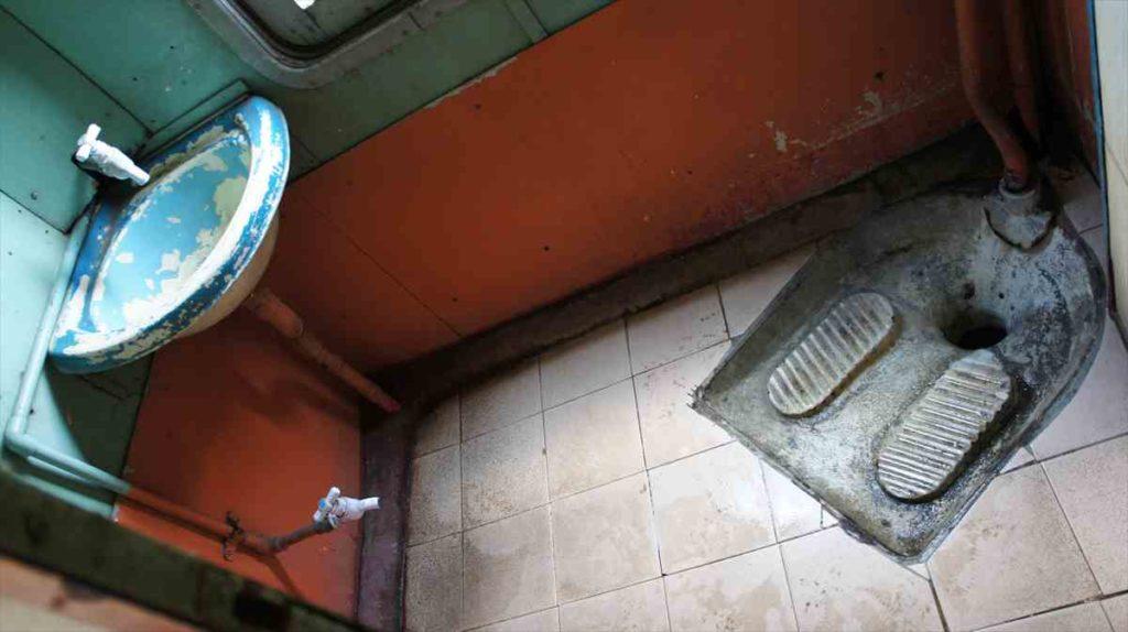 スリランカ鉄道のトイレ
