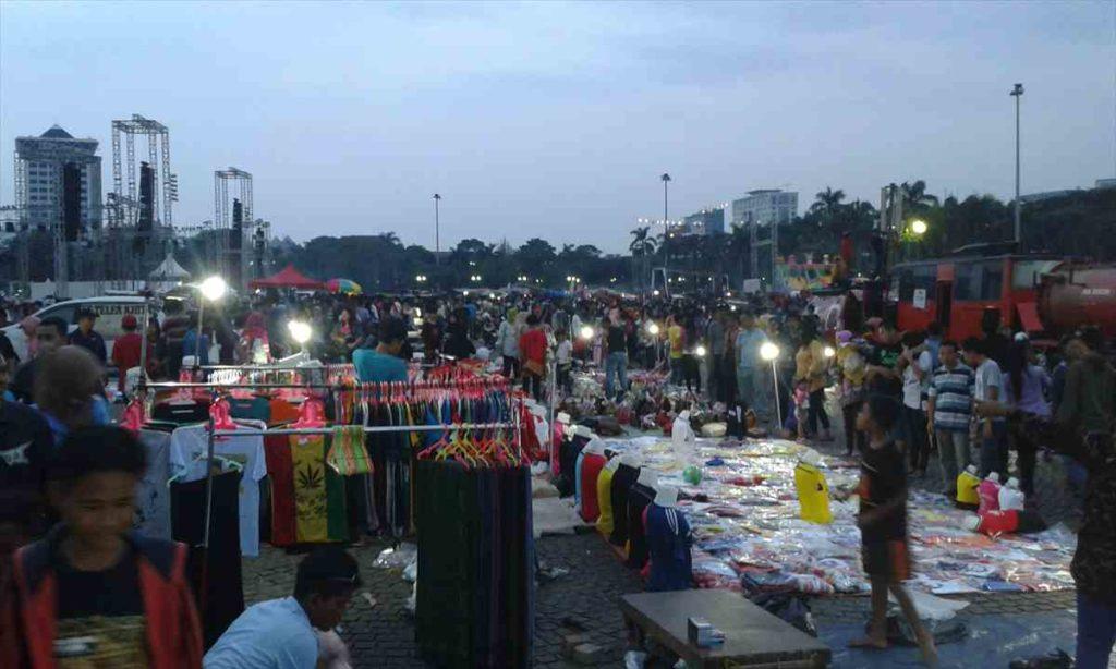 ジャカルタの独立記念塔モナスのマーケット