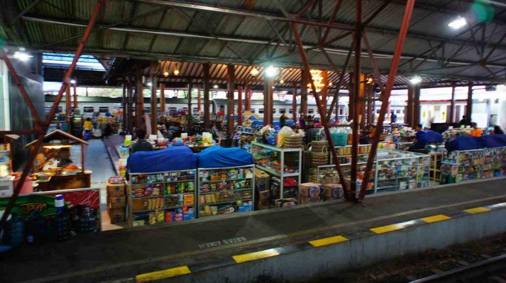 インドネシアのジョグジャカルタ駅
