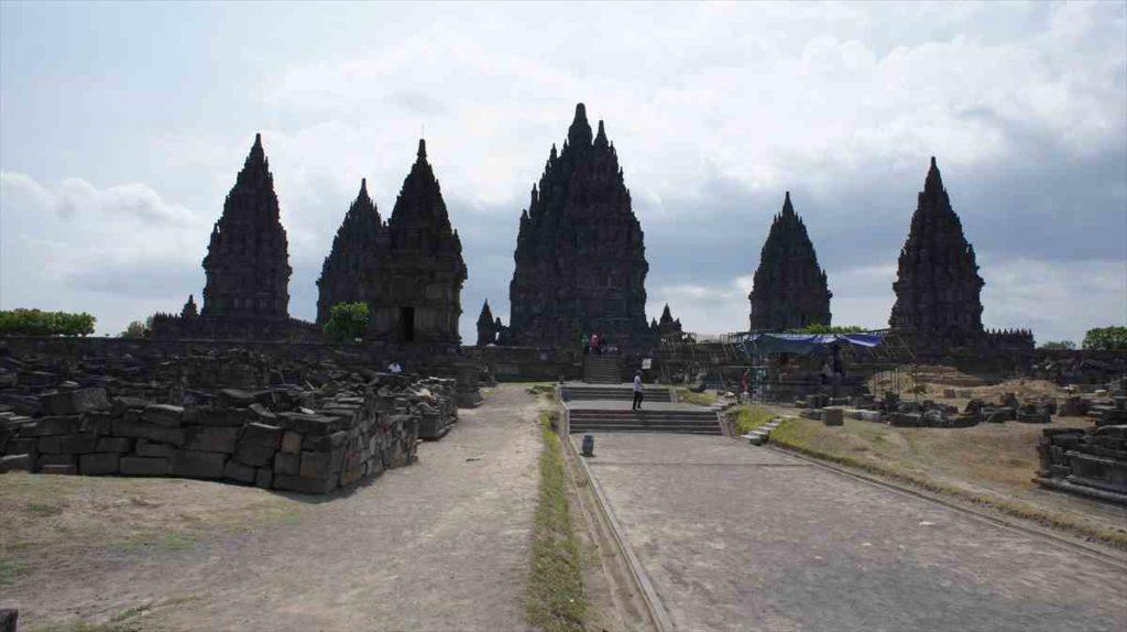 世界遺産プランバナン寺院群