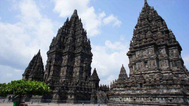 世界遺産のプランバナン寺院群01