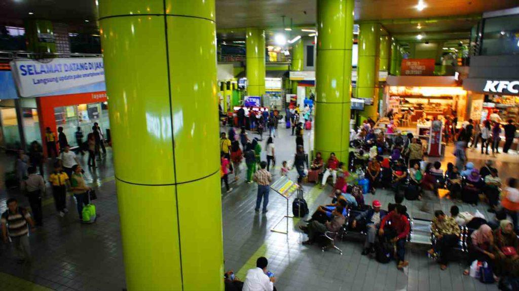 ジャカルタのガンビル駅