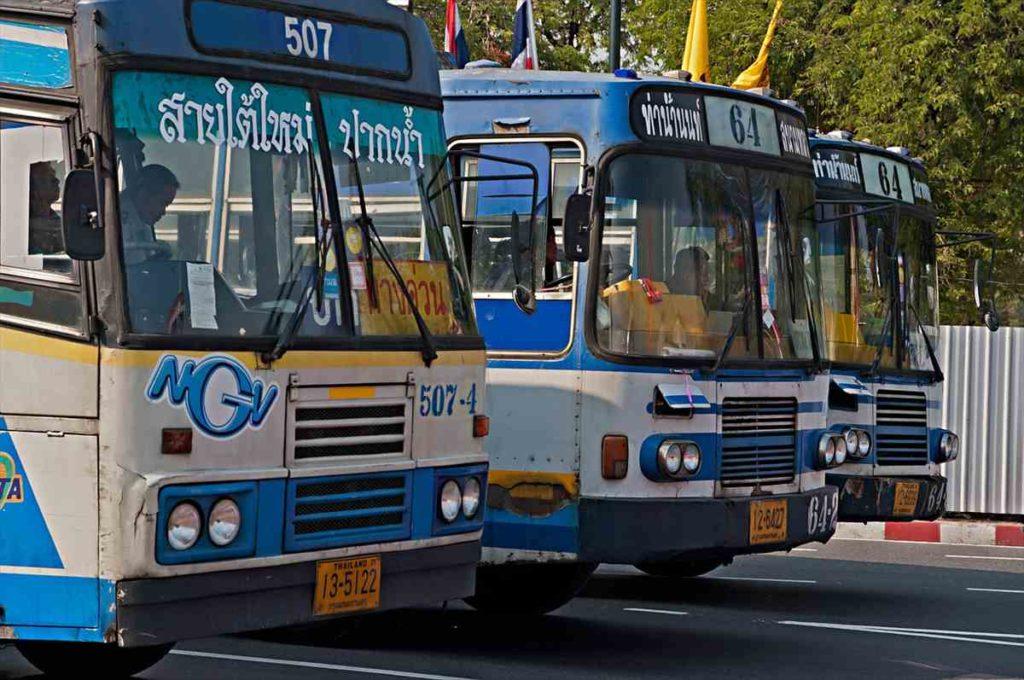 タイのローカルバス