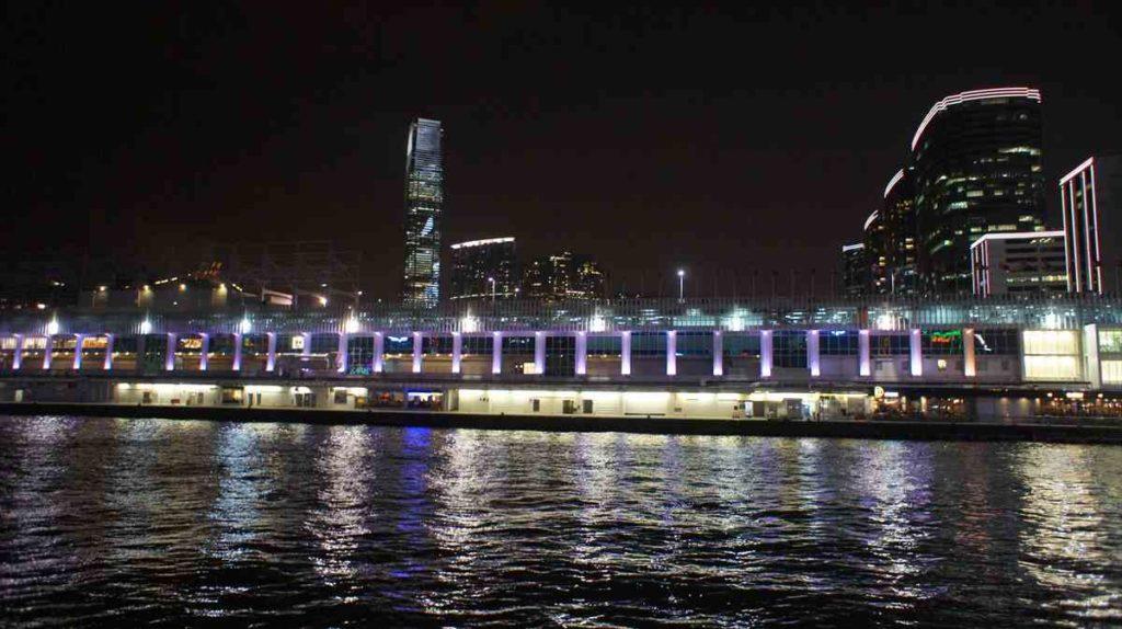 香港のスターフェリーからの眺め