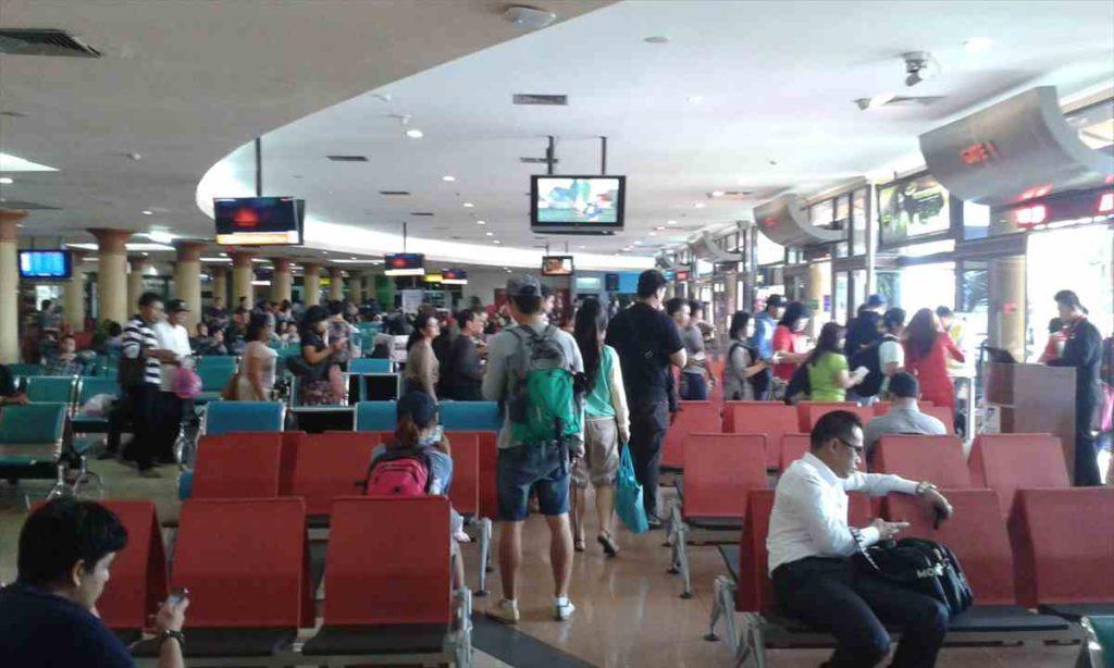 あまり何もないジョグジャカルタ空港
