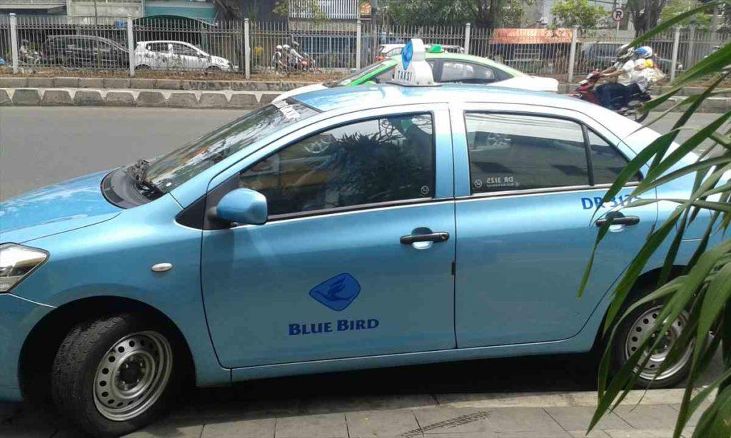 バリのブルーバードタクシー