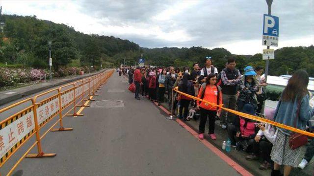 台湾のランタン上げ祭りに参加する