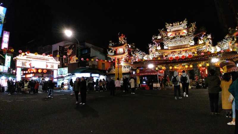 台北で一番おすすめの夜市は饒河街夜市
