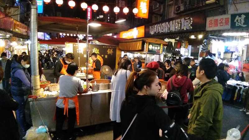 饒河街夜市で一番人気の胡椒餅