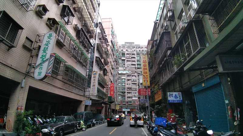 台北駅から徒歩圏にある便利な安宿スペースイン
