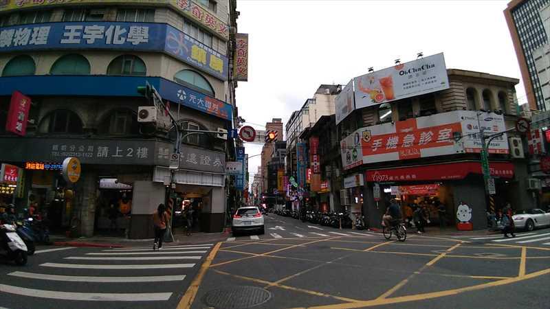 台湾旅行でおすすめの駅から近いカプセル式ホテル