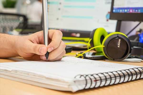 英語のリスニングにディクテーションは効果ある?