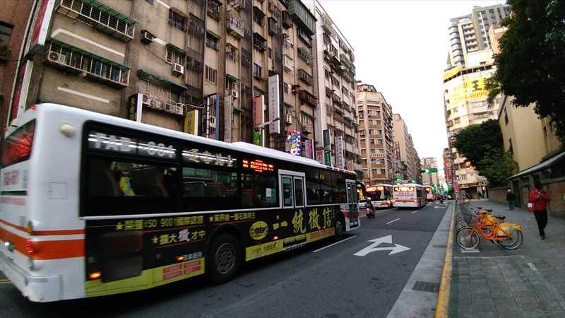 台北のバス
