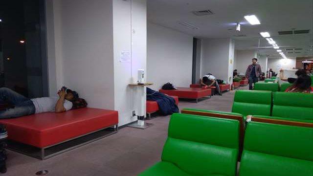 関西空港は夜に無料で寝る場所はある?